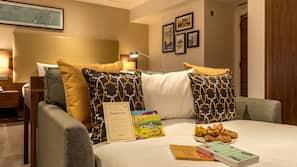 Down duvet, memory foam beds, free minibar, in-room safe
