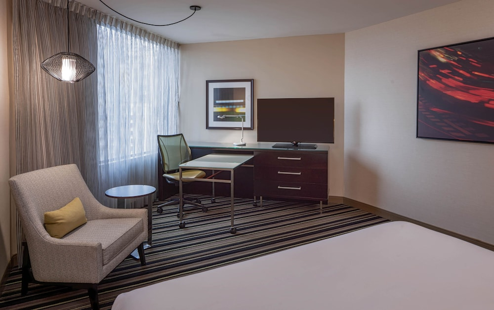 Room, Hyatt Regency Indianapolis
