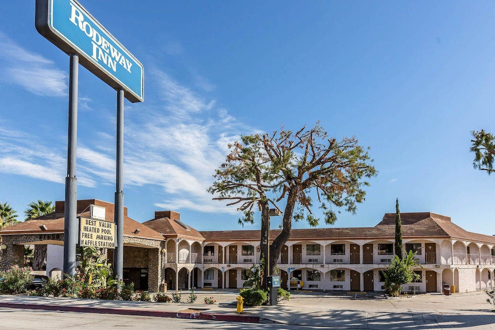 Featured Image, Rodeway Inn Magic Mountain Area