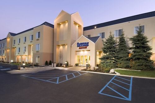 Great Place to stay Fairfield Inn and Suites By Marriott Merrillville near Merrillville