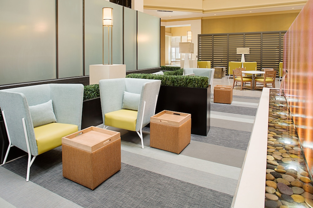 Lobby Sitting Area, Embassy Suites by Hilton San Diego Bay Downtown