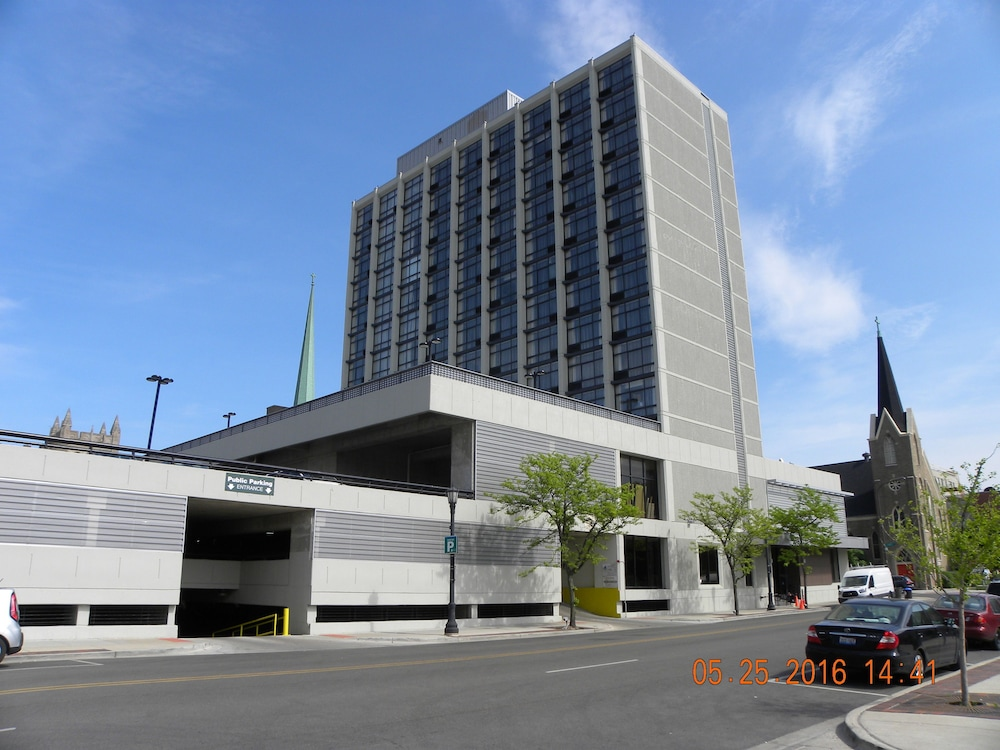 Holiday inn chicago north evanston reviews photos for Hotels up north chicago