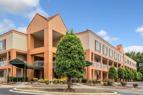 Check Expedia for Availability of Quality Inn Birmingham/Homewood
