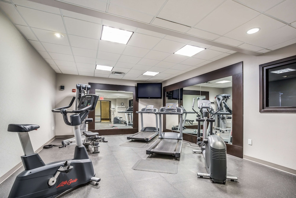 Fitness Facility, Country Inn & Suites by Radisson, Virginia Beach (Oceanfront), VA