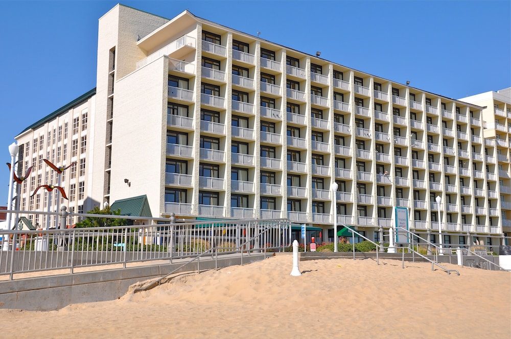Exterior detail, Country Inn & Suites by Radisson, Virginia Beach (Oceanfront), VA