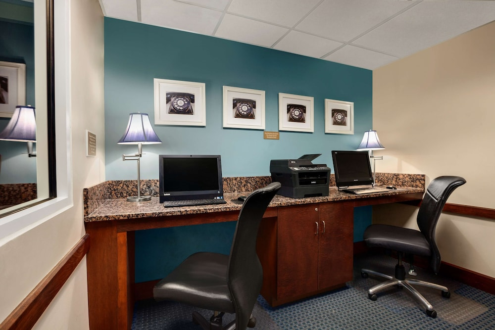 Business Center, Country Inn & Suites by Radisson, Virginia Beach (Oceanfront), VA