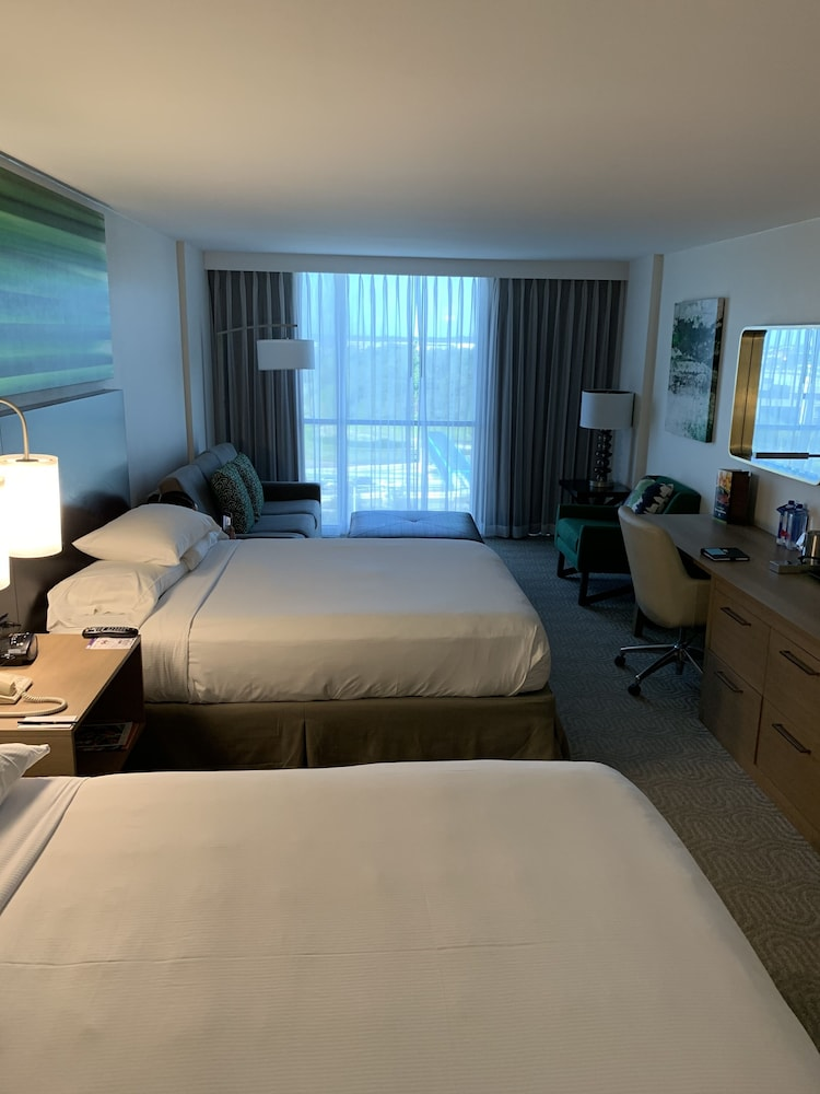 Room, DoubleTree by Hilton at the Entrance to Universal Orlando