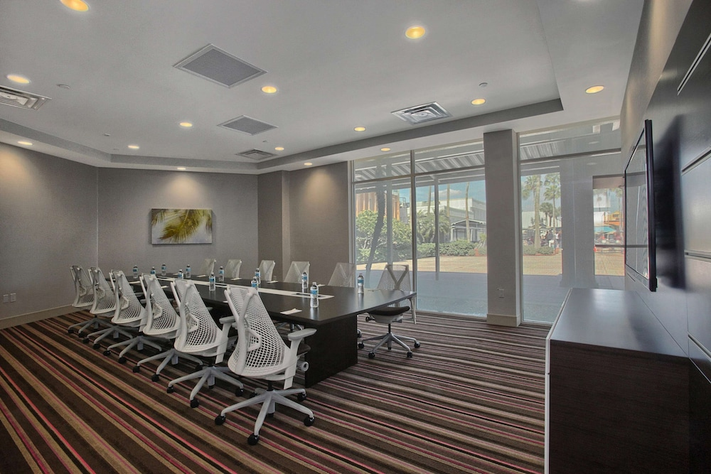Meeting Facility, DoubleTree by Hilton at the Entrance to Universal Orlando