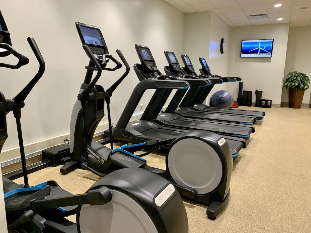 Fitness Facility, DoubleTree by Hilton at the Entrance to Universal Orlando