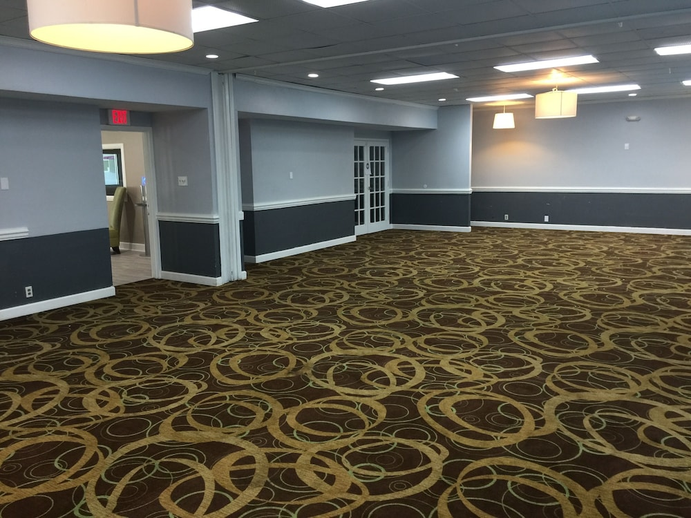 Banquet Hall, Quality Inn & Suites University Area