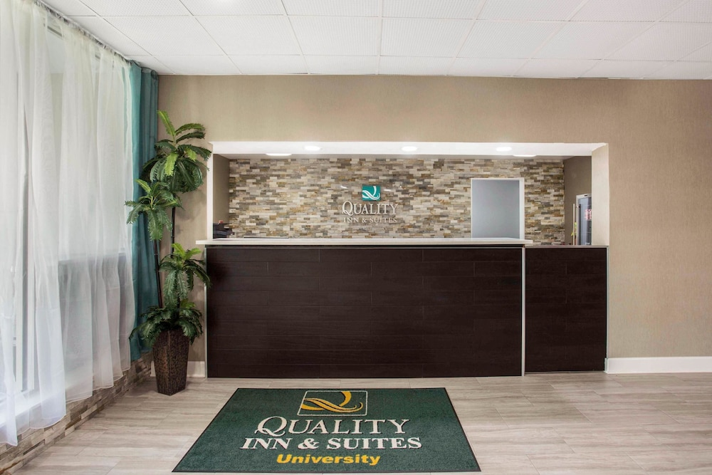 Lobby, Quality Inn & Suites University Area