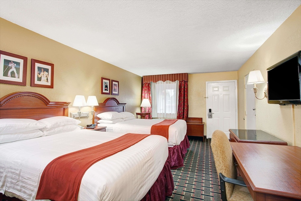 Room, Days Inn by Wyndham Memphis at Graceland