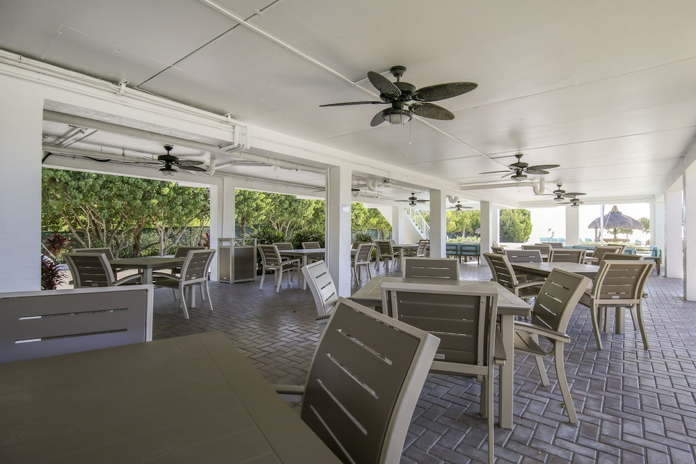 Terrace/Patio, Ocean Pointe Suites at Key Largo