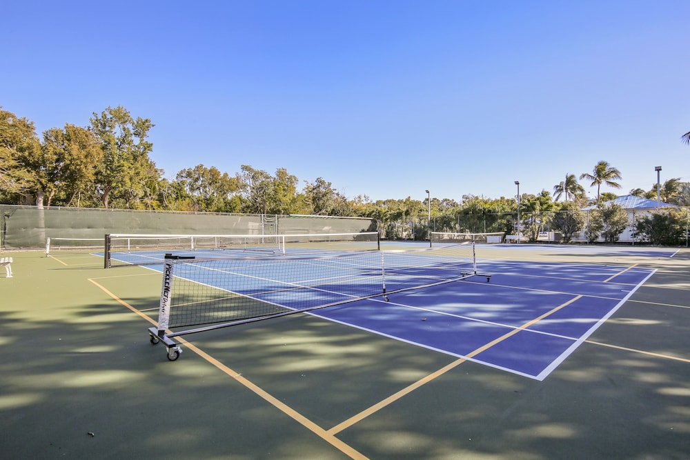 Tennis Court, Ocean Pointe Suites at Key Largo