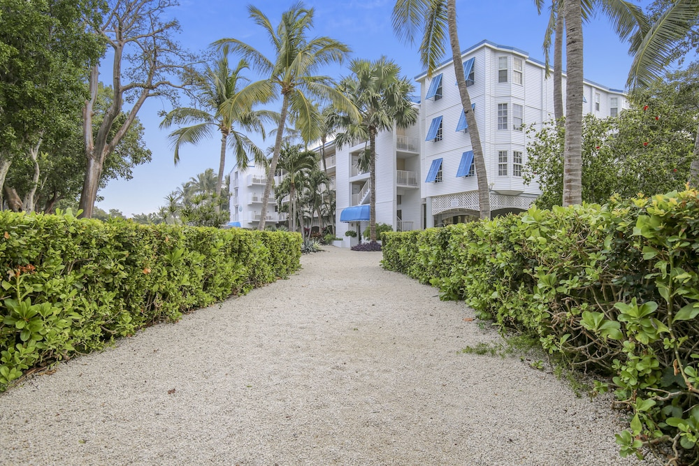 Garden View, Ocean Pointe Suites at Key Largo