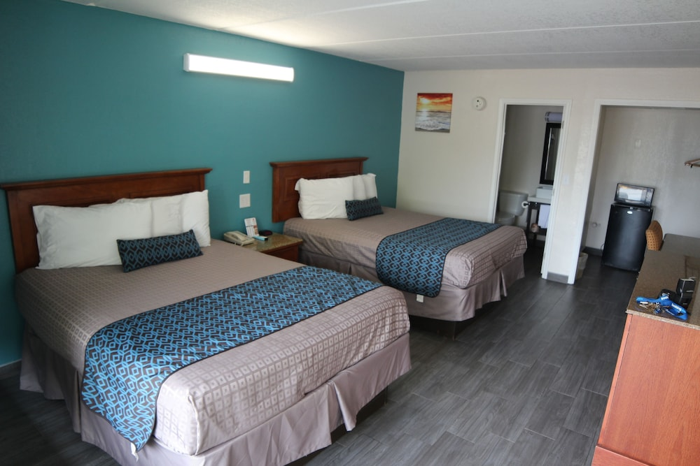 Room, WindWater Hotel & Marina
