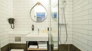 Matelas Select Comfort, coffres-forts dans les chambres, bureau