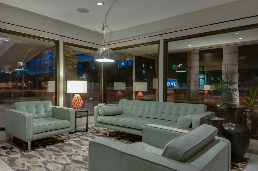 Lobby Sitting Area, Best Western Plus Inn of Ventura