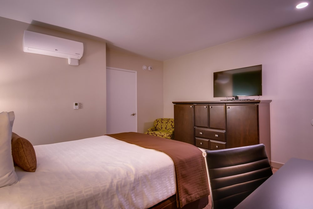 Room, Best Western Plus Inn of Ventura