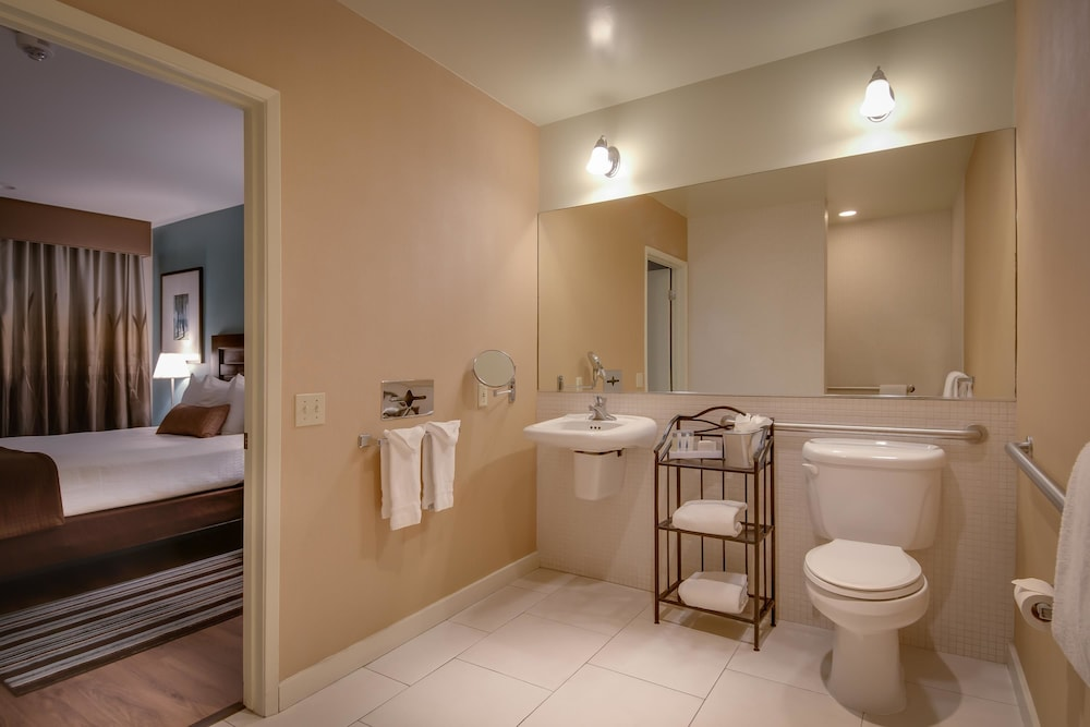 Bathroom, Best Western Plus Inn of Ventura