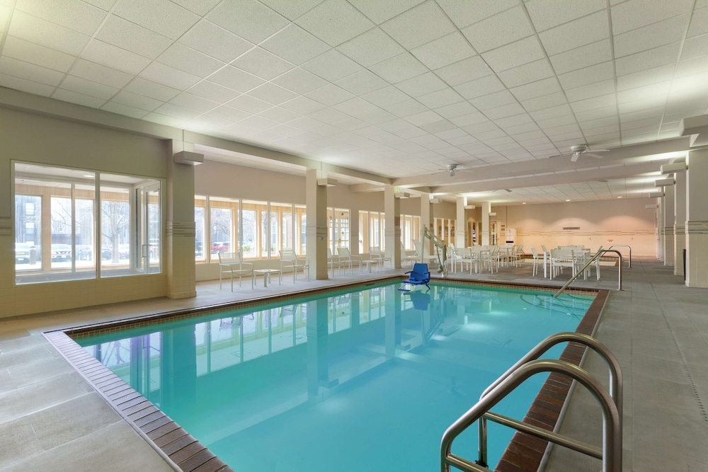 Indoor Pool, Country Inn & Suites by Radisson, Bloomington at Mall of America, MN