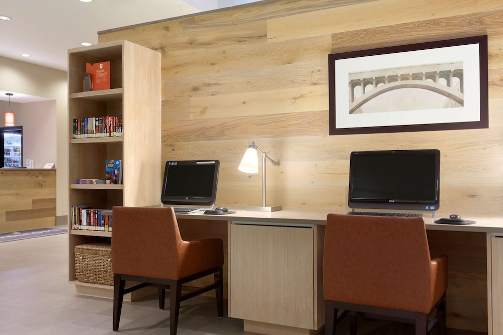 Business Center, Country Inn & Suites by Radisson, Bloomington at Mall of America, MN