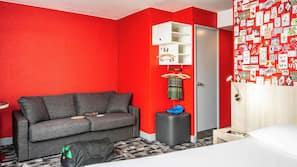 保險箱、家具佈置各有特色、窗簾、隔音