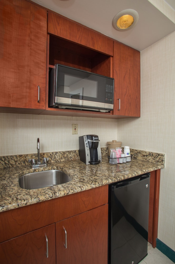 Holiday Inn Express Hotel & Suites Va Beach Oceanfront In