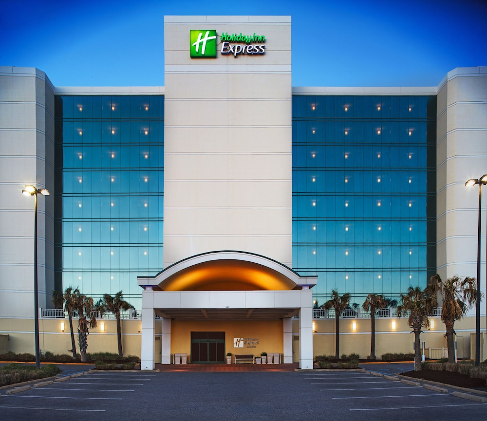 Holiday Inn Express Hotel Suites Va Beach Oceanfront In Norfolk Virginia Rates Reviews On Orbitz