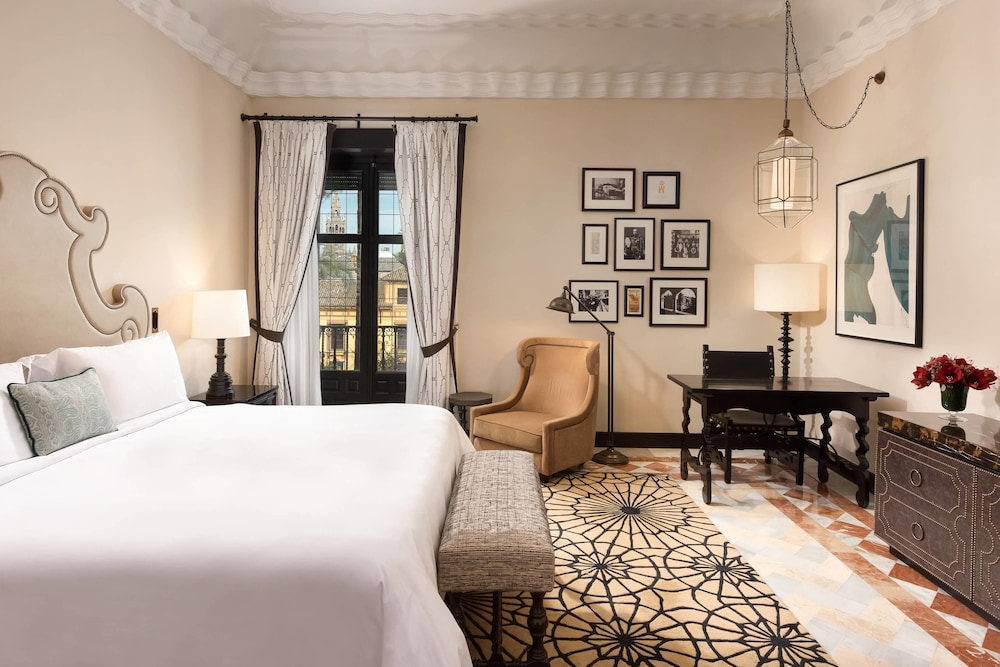 Room, Hotel Alfonso XIII, a Luxury Collection Hotel, Seville