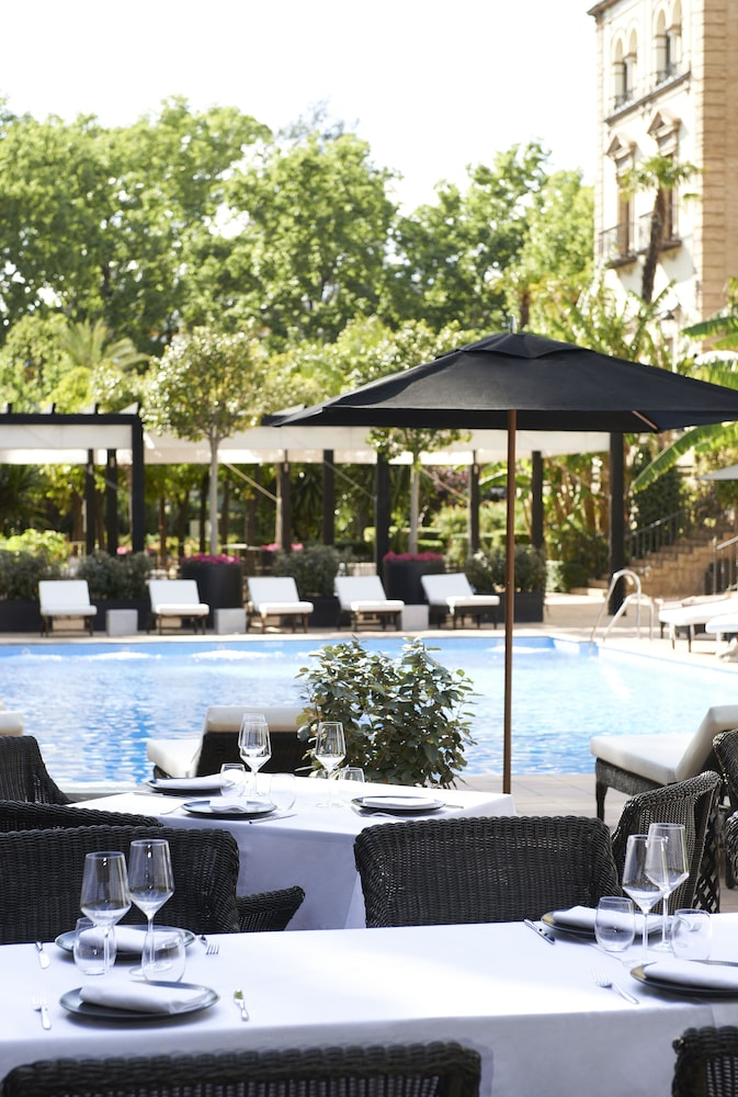 Outdoor Pool, Hotel Alfonso XIII, a Luxury Collection Hotel, Seville
