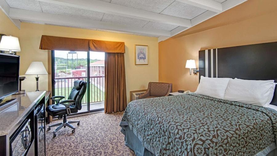 Days Inn by Wyndham Washington Pennsylvania