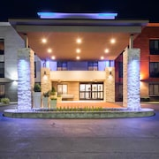Holiday Inn Express and Suites Albany Airport- Wolf Road