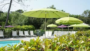 Outdoor pool, open 9:30 AM to 7:30 PM, sun loungers