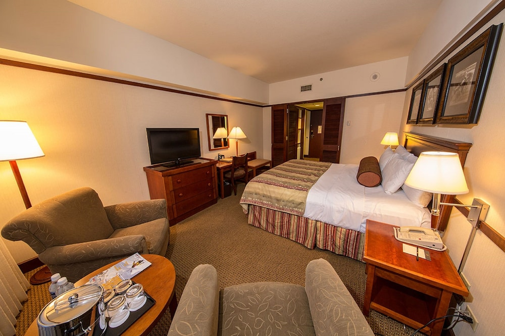 Room, Alyeska Resort