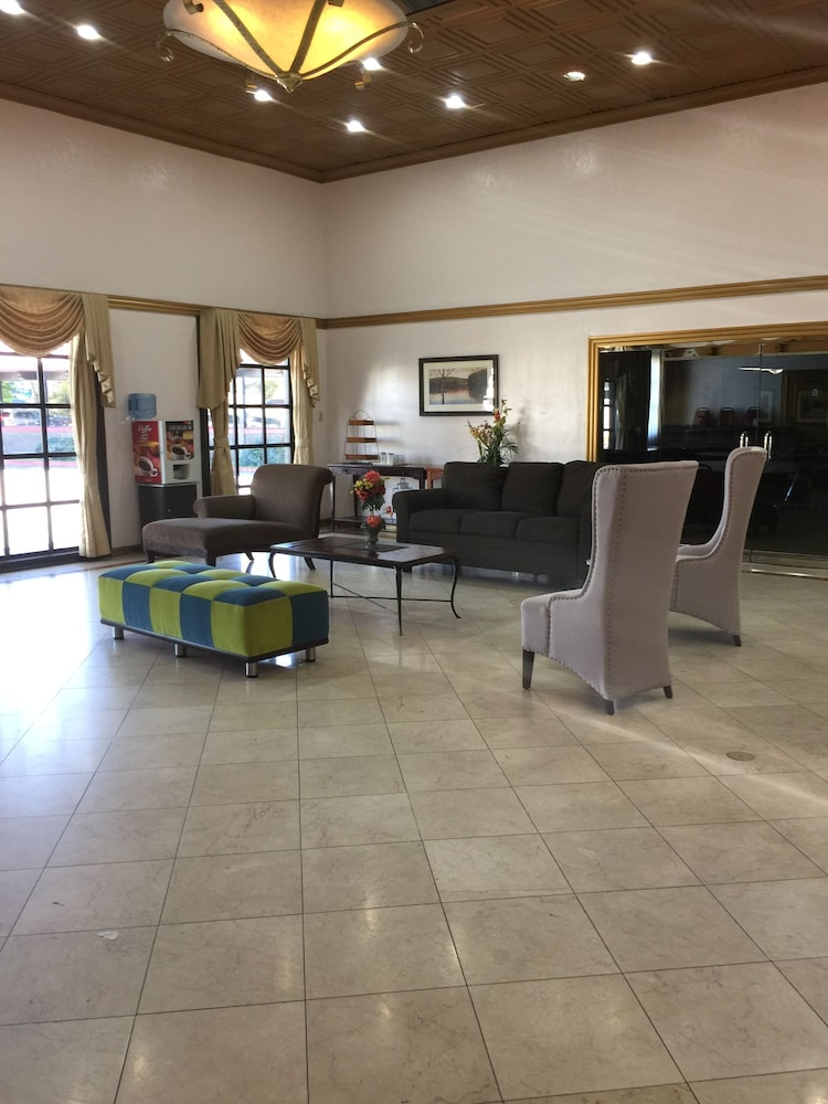 Travelodge by Wyndham Artesia: 2019 Room Prices $69, Deals