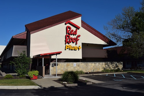 Red Roof Inn PLUS+ University at Buffalo - Amherst