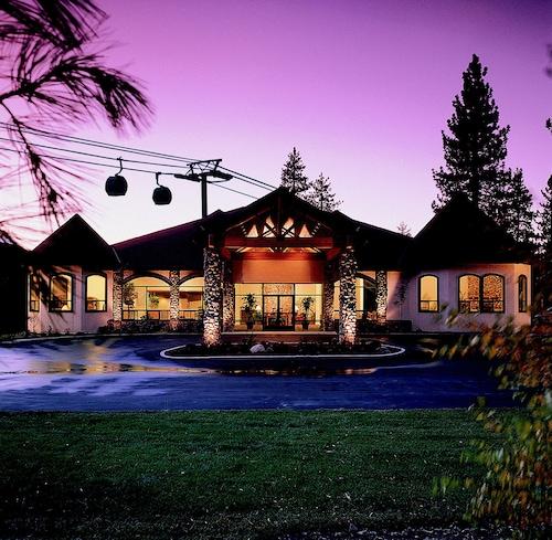 Forest Suites Resort at Heavenly Village