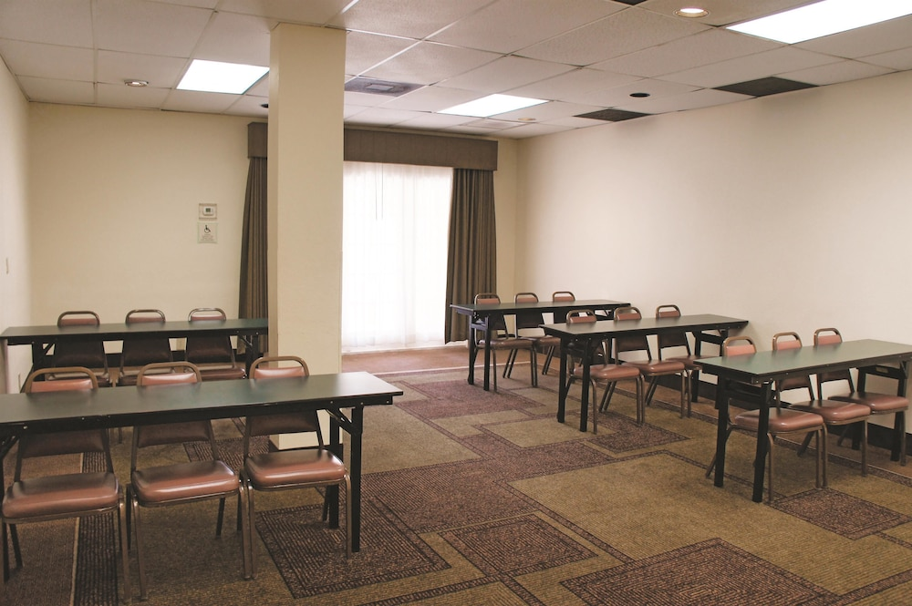 Cheap Meeting Rooms In Houston