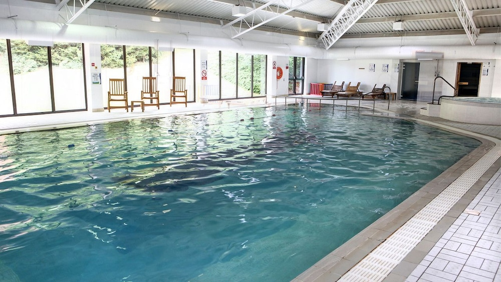 Holiday inn gloucester cheltenham deals reviews gloucester gbr wotif for Swimming pools near gloucester
