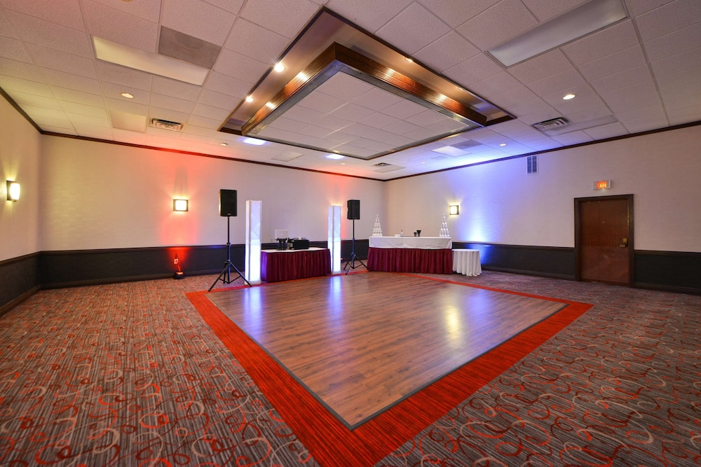 Ballroom, Radisson Hotel Madison