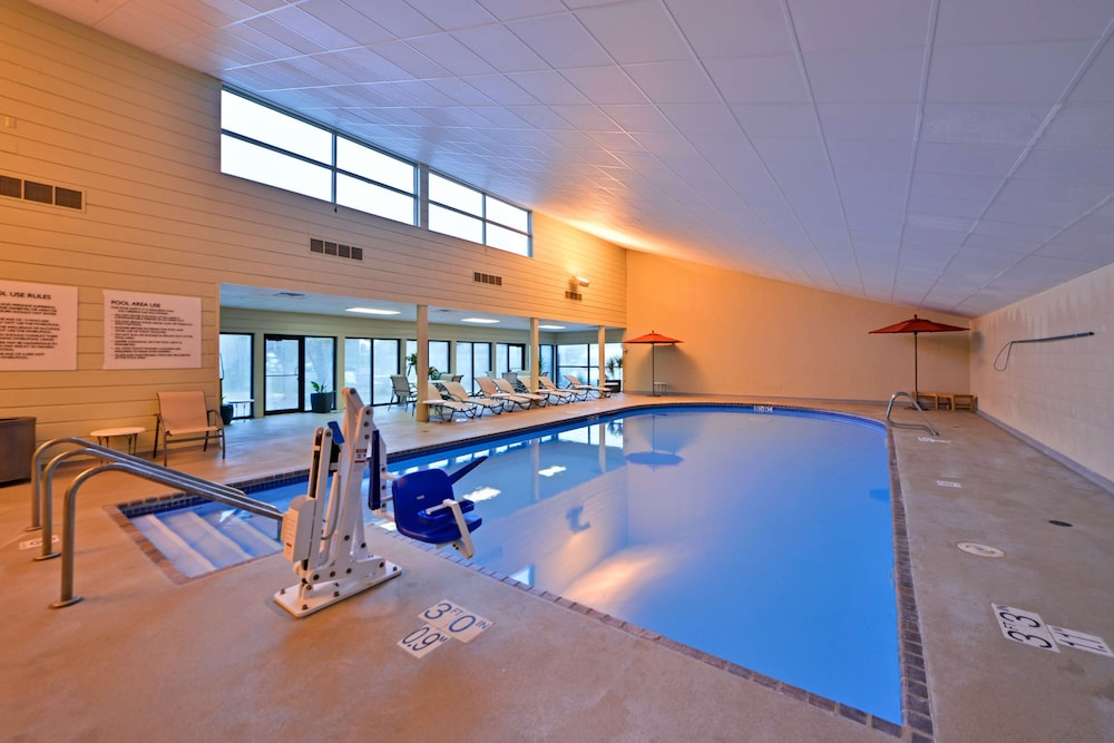 Indoor Pool, Radisson Hotel Madison