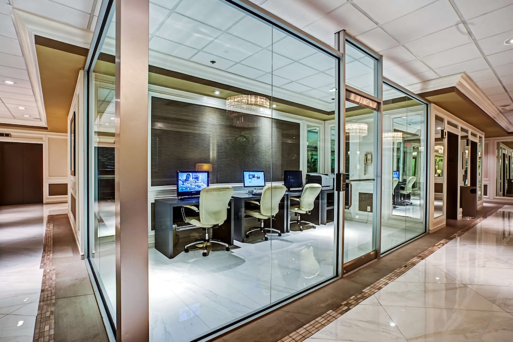 Business Center, DoubleTree by Hilton Grand Hotel Biscayne Bay