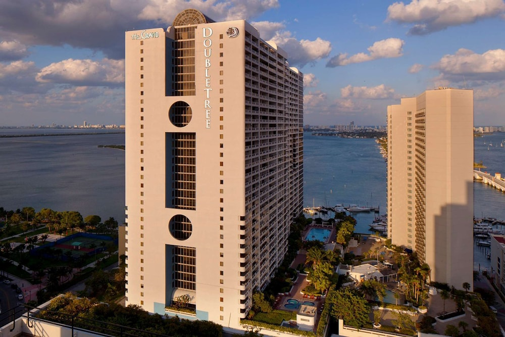Exterior, DoubleTree by Hilton Grand Hotel Biscayne Bay