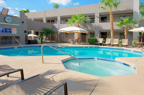Hotel Tempe/Phoenix Airport InnSuites at the Mall