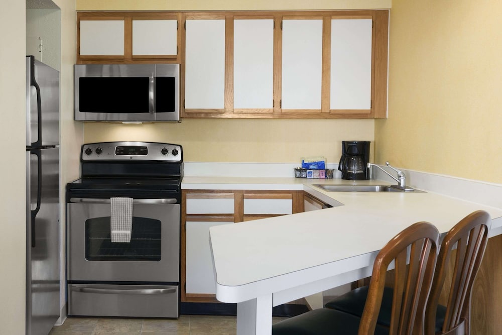 Private Kitchen, Hawthorn Suites by Wyndham Philadelphia Airport