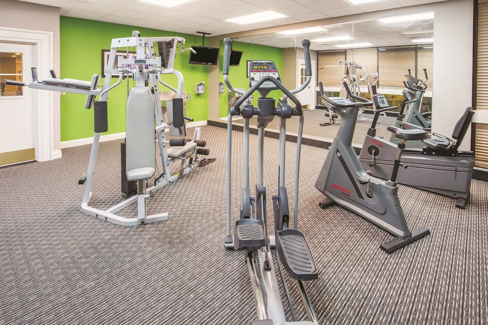 Fitness Facility, La Quinta Inn by Wyndham Sacramento Downtown