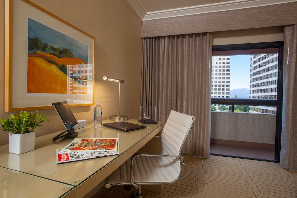 In-Room Business Center, Hotel Irvine
