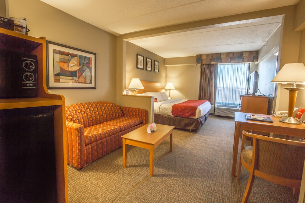 Living Room, Four Points by Sheraton Allentown Lehigh Valley