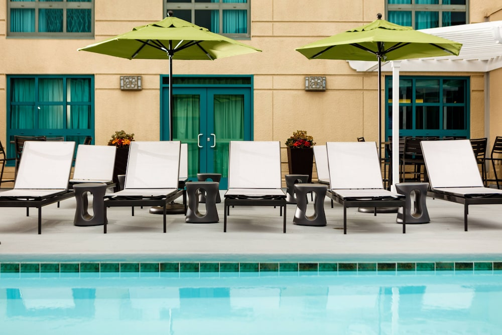 Outdoor Pool, Renaissance Los Angeles Airport Hotel
